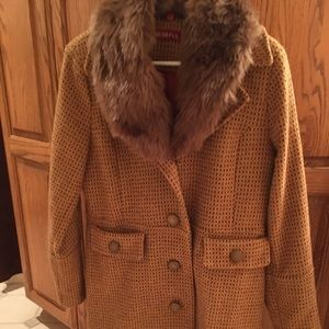 Jackets & Blazers - Cute winter coat with detached fur collar